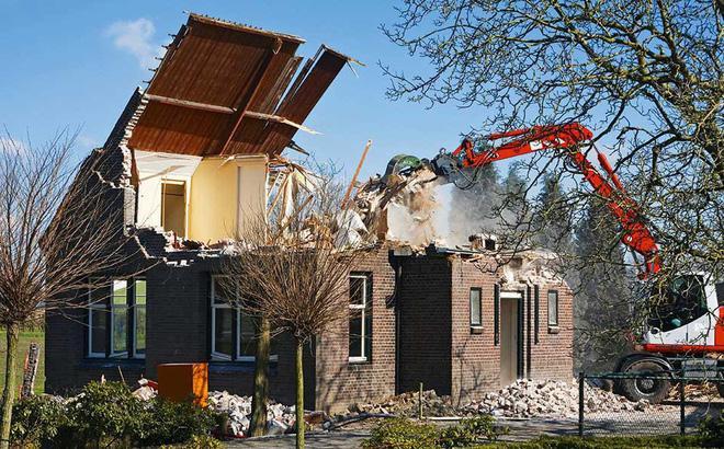 Bạn cần xây dựng một công trình mới nhưng ngôi nhà cũ vẫn đang chiếm dụng mảnh đất của bạn. Bạn cần dọn sạch mặt bằng để có thể bắt đầu xây dựng. Việc bạn cần làm chỉ là một cuộc điện thoại, hãy gọi cho chúng tôi công ty Chung Dũng sẽ giúp bạn giải quyết vấn đề đó nhanh nhất có thể. Chung Dũng chuyên cung cấp dịch vụ phá dỡ, thu mua xác nhà biệt thự: Giá luôn tốt hơn thị trường 20%.